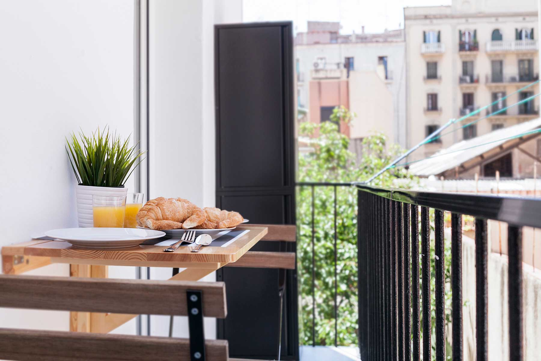 Apartment Barcelona with Balcony
